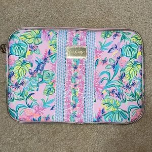 NWOT Lilly Pulitzer Tech Sleeve